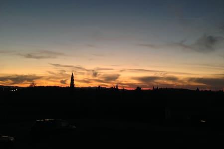 Poggio D'Oro, incredible Tuscany sunset view - Capannoli - บ้าน