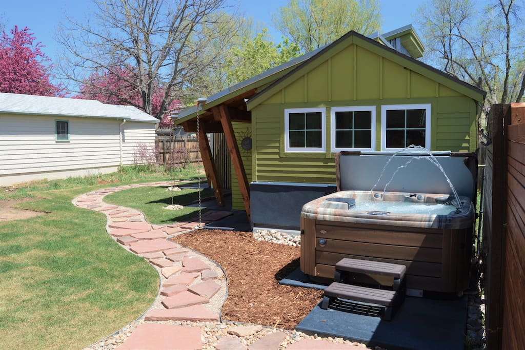 Separate 2 bdr Bungalow behind our home with a HOT TUB!
