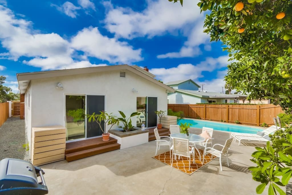 Your own private oasis with 3 citrus trees for fresh juice.  2 sliding glass doors are private entry to bedrooms #1 and #2, with separate locks and keys.