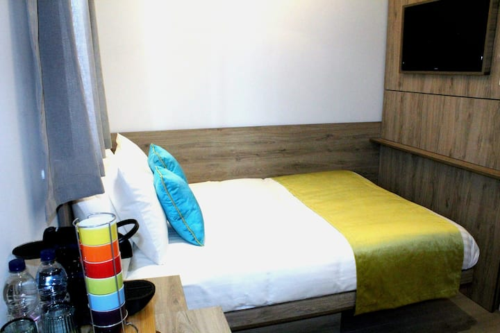WOW Double room @ NOX HOTELS Lancaster Gate