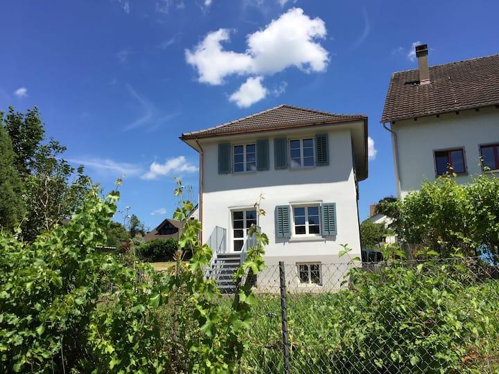 Ein Häusschen im Grünen, nahe vom Zentrum Zürich