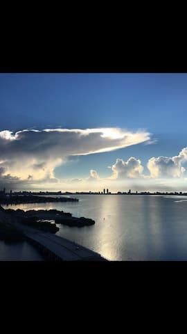 HeartofSouthBeach/sleeps10-12/house - Miami Beach - House