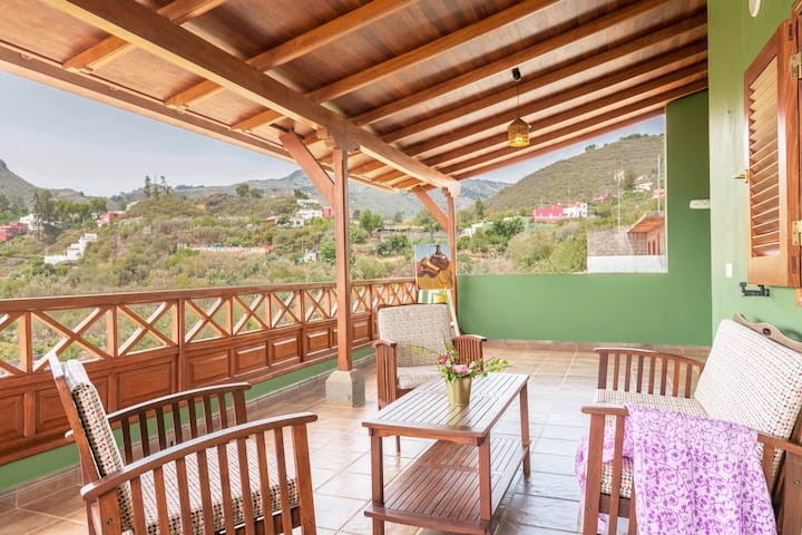 "Beautiful Holiday Home ""El Cañaveral"" with Mountain View, Terrace & Wi-Fi"