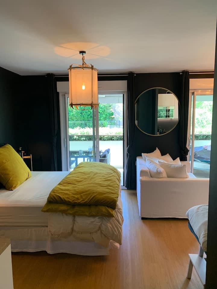 STUDIO Cannes avec piscine dans résidence