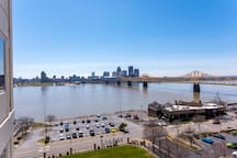 *BRAND NEW* - GORGEOUS Walk to Downtown Louisville