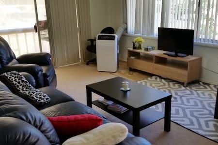 Convenient and Close to Waterways - Tascott - Apartment