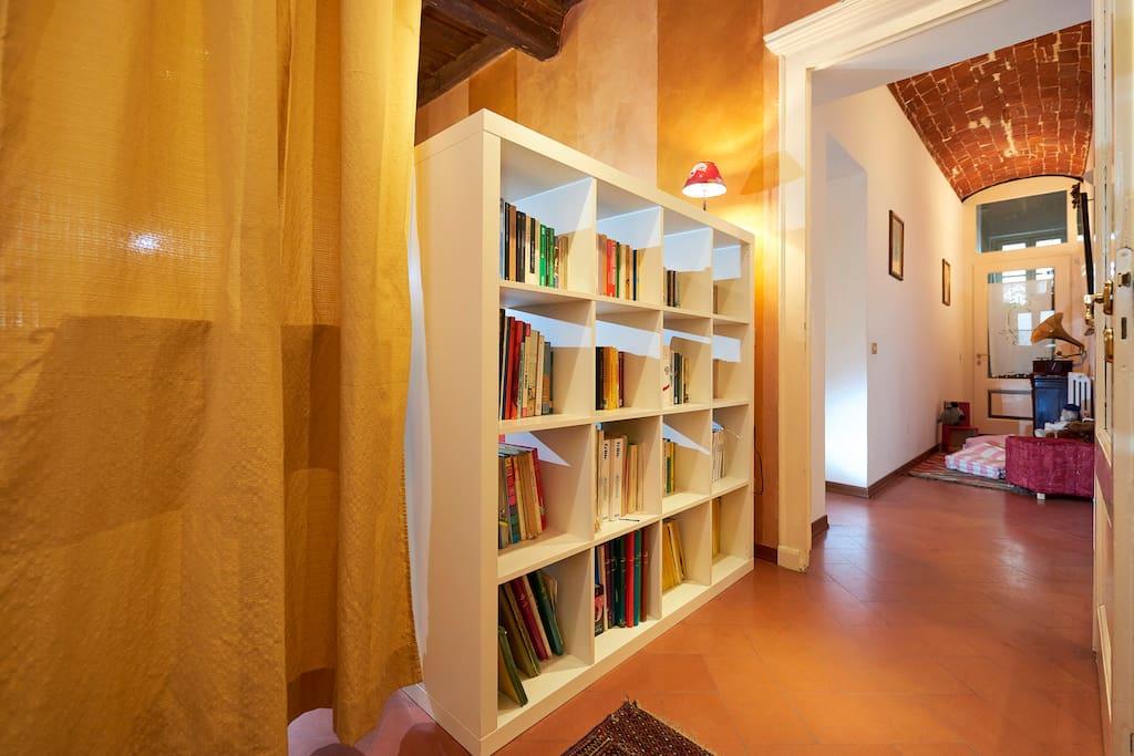 Entrata appartamento verso l'area dedicata ai bambini