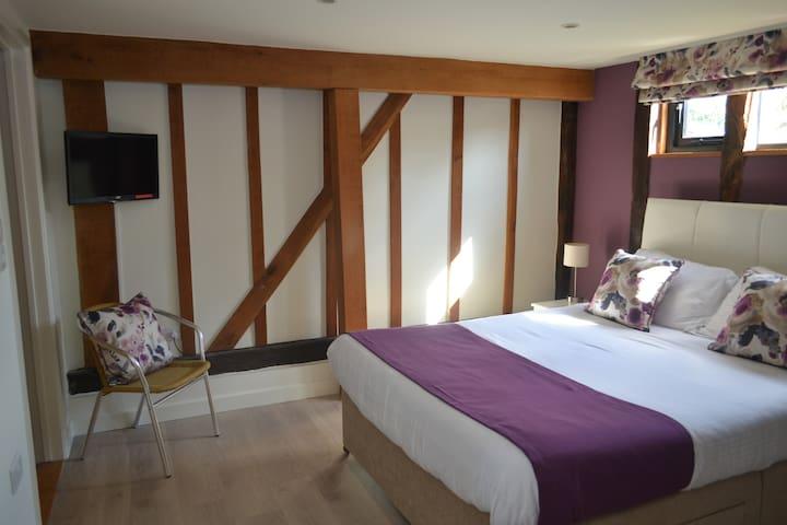 Wortwell Hall Barn - double room