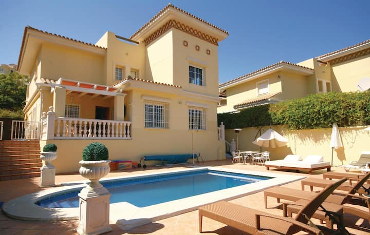 Nice home in Mijas Costa with 4 Bedrooms