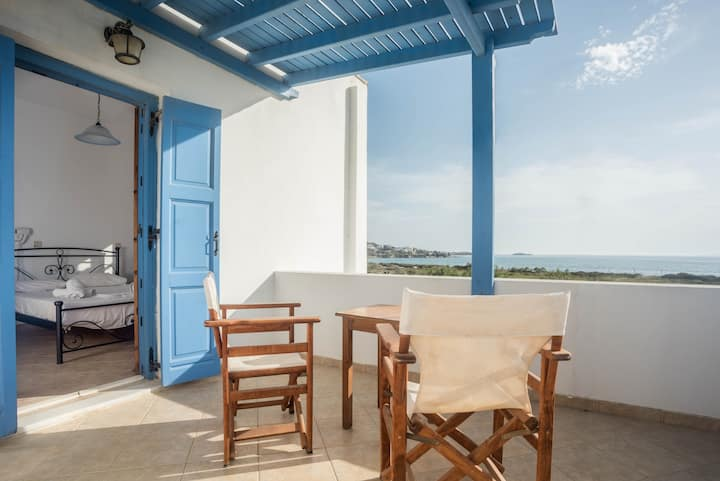 Naxos Plaka beach sea view apartment/ 3 adults