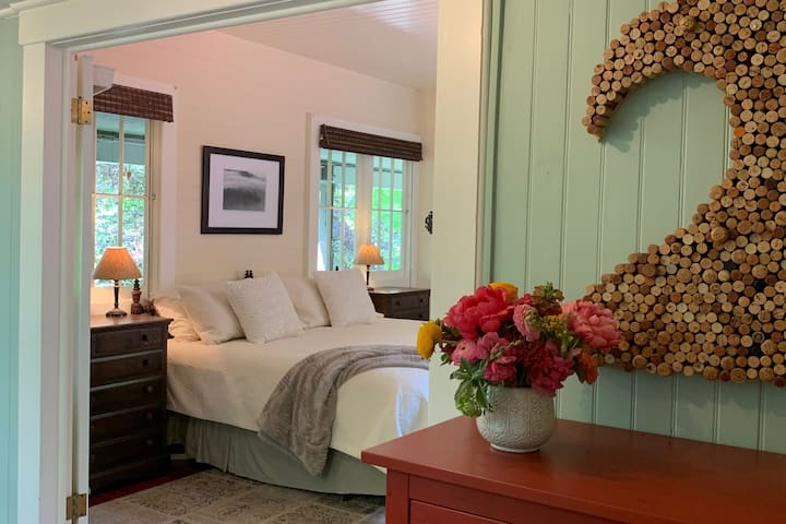 The Sun Porch Suite at Sand Rock Farm