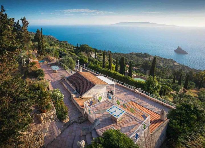 Villa Panoramica con super vista a Cala Moresca