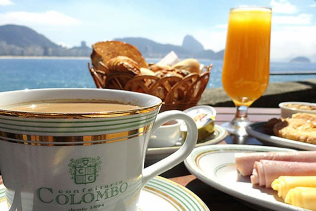 Have a breakfast in the centenary restaurant Colombo, inside the Copacabana military fort.