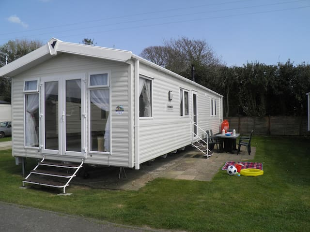 Luxury Private Caravan at Pagham Church Farm