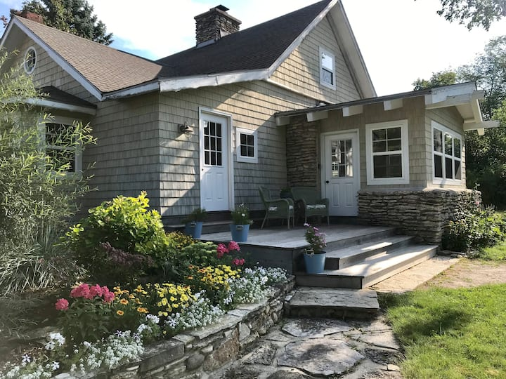 Charming & Historic Cottage in Door County