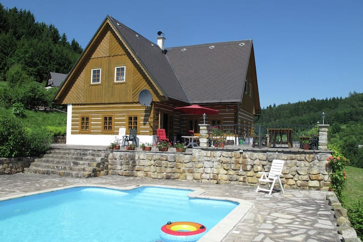 Comfortable villa with private swimming pool in the hilly landscape of Stupna