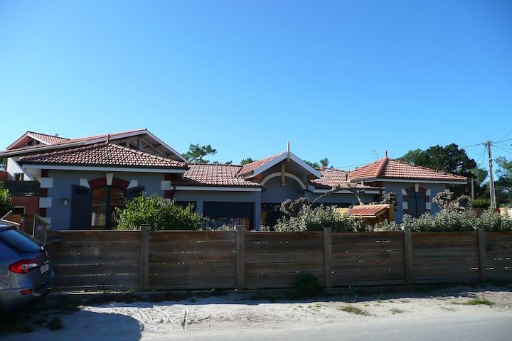 ARCACHONNAISE, maison de pêcheurs rénovée à neuf .