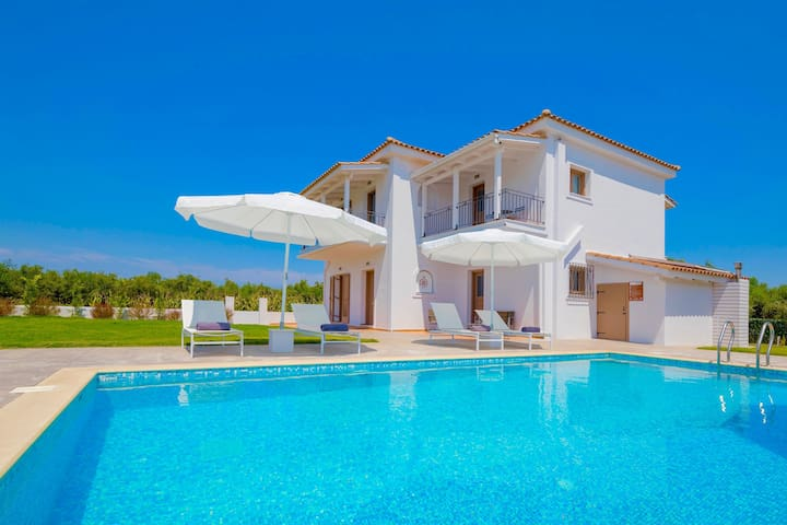 Villa Melograno III with private swimming pool