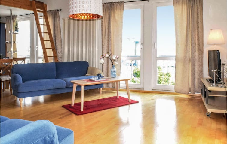 Holiday apartment with 2 bedrooms on 90m² in Kröslin