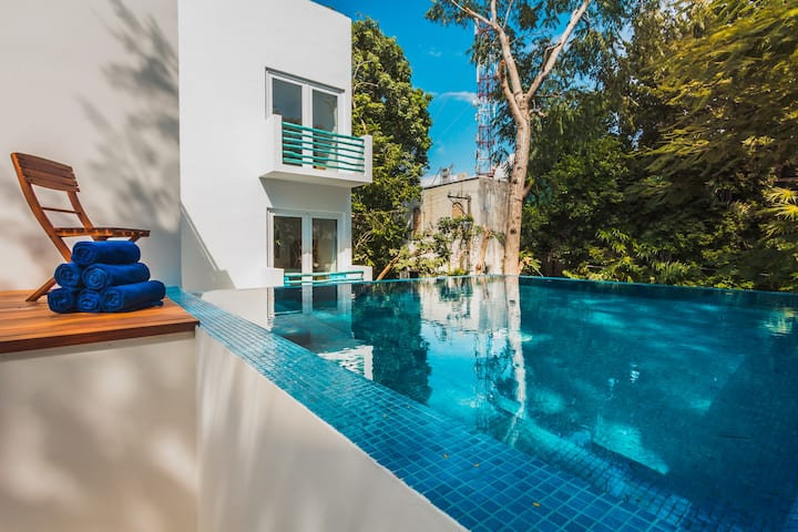 Relaxing 5BR Villa Playcar! Infinity Pool!! A/C!!
