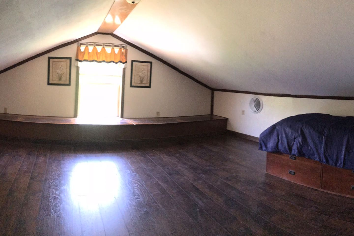 Large room with 2 single beds and lots of storage space
