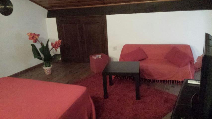 studio duplex dans petite maison  coeur de Corté