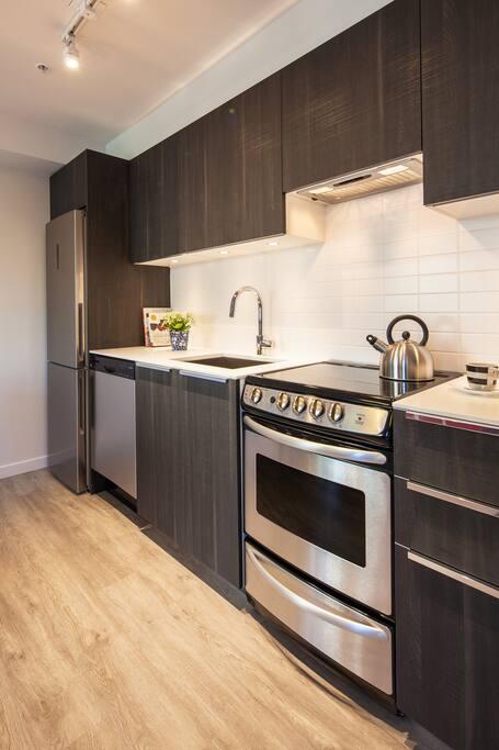 Brand New Modern Kitchen!