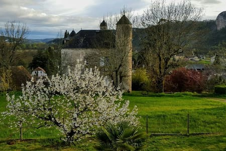 Coeur de la vallée de la Dordogne - Saint-Sozy, France - Dom