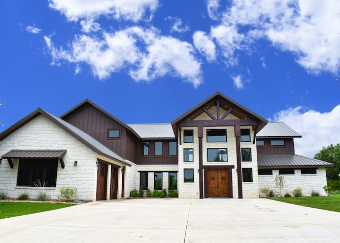 Largest Luxury Home in the Golf Course! Sleeps 27