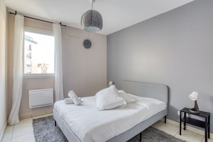 NICE APARTMENT WITH BALCONY - VELODROME AREA - IN MARSEILLE FOR 4 PEOPLE