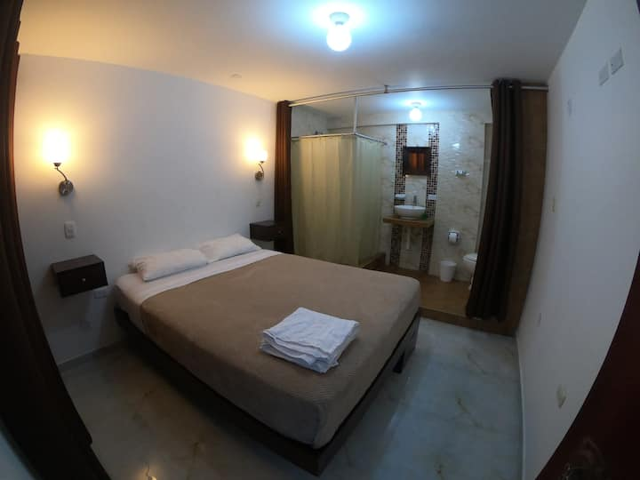 Private entrance & bathroom with queen bed 5