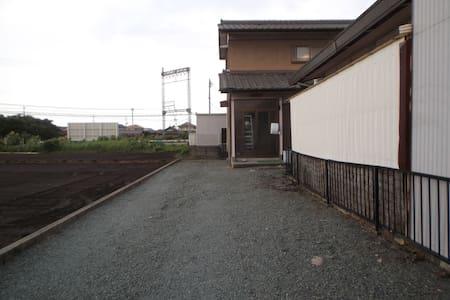 caprice ボン ブアヤージュ - Matsusaka-shi - House