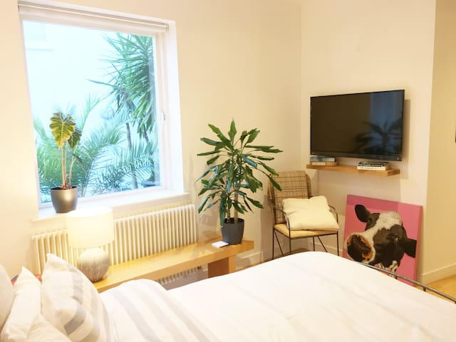 5.0 CLEAN Private Studio Zone1 N1: Central London