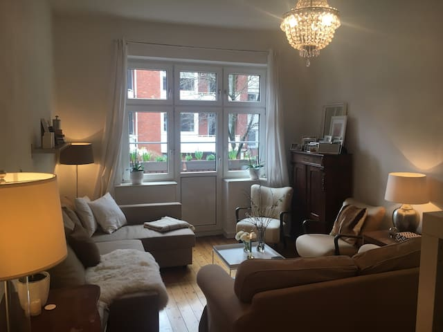 Stylish comfy flat close to Alster - Hamburgo - Apartamento