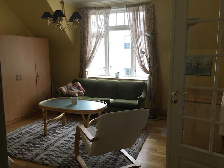 Lys og trivelig leilighet i 3. etg. sentalt i Haugesund