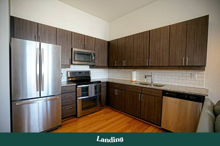 Landing | Live in Luxury at the Stunning 1BR Apartment (ID7)