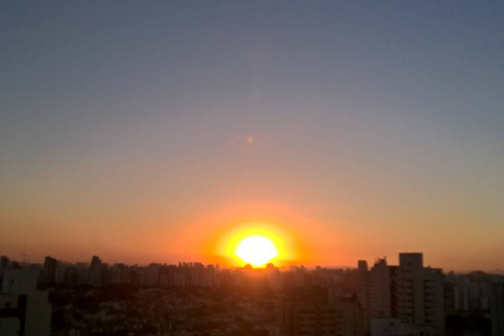 Pôr do sol visto da sacada e do quarto