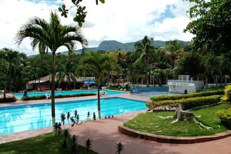 CABAÑA FAMILIAR CAMPESTRE - LA PINTADA ANTIOQUIA