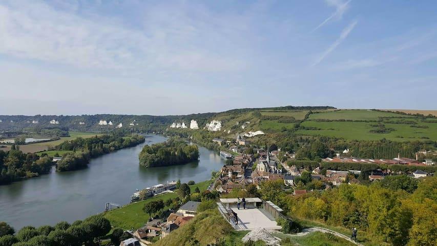 Possibilité de visite du château gaillard a 3 kilomètres