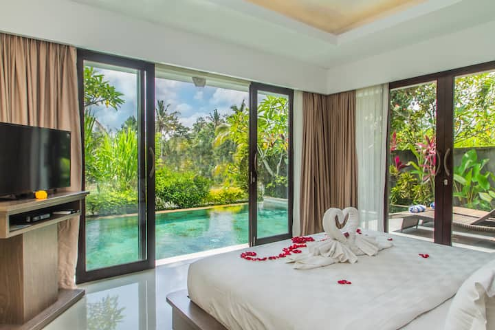 Less 45$ Shine and nature Private pool Villas