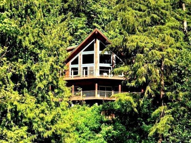 Maple Falls Holiday Vacation home BL (Phone number hidden by Airbnb) .
