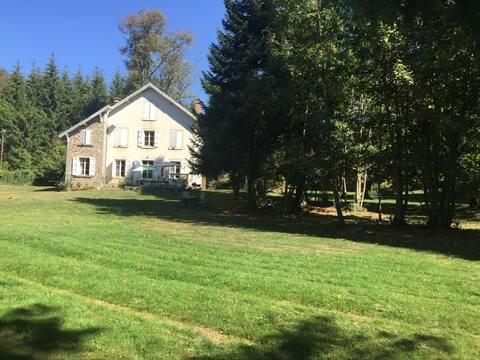 Maison forestière au bord Lac Mort/30 min Grenoble
