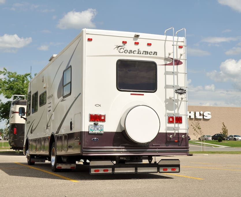 2003 RV 32 foot rear and driver side view