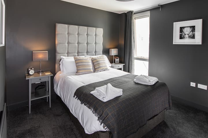 Perfect for a short or long stay in central MK!