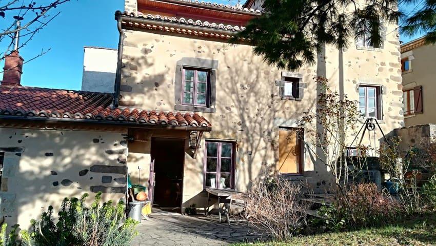 Maison proche de Billom, en Toscane auvergnate
