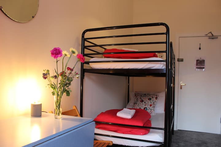 Twin Room in a stylish flat in the old town