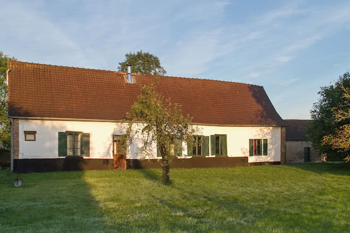 Lovely renovated 1920s farmhouse - Estrées les Crecy - Hus