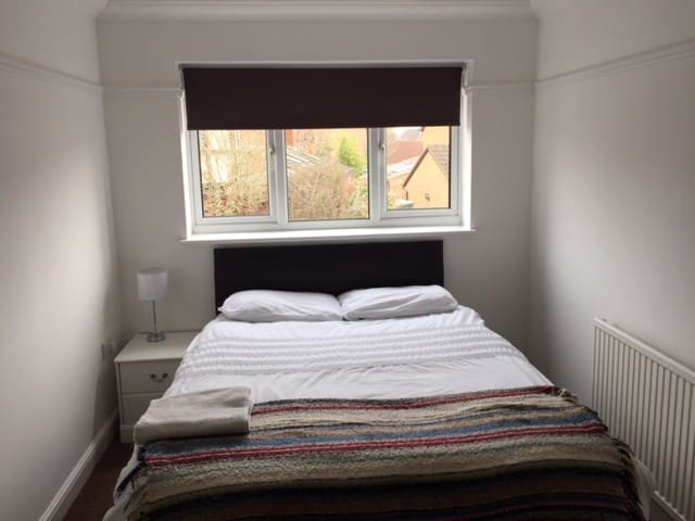 Need a comfortable room to stay? - Swindon