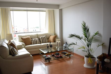 Nice aparment close to airport