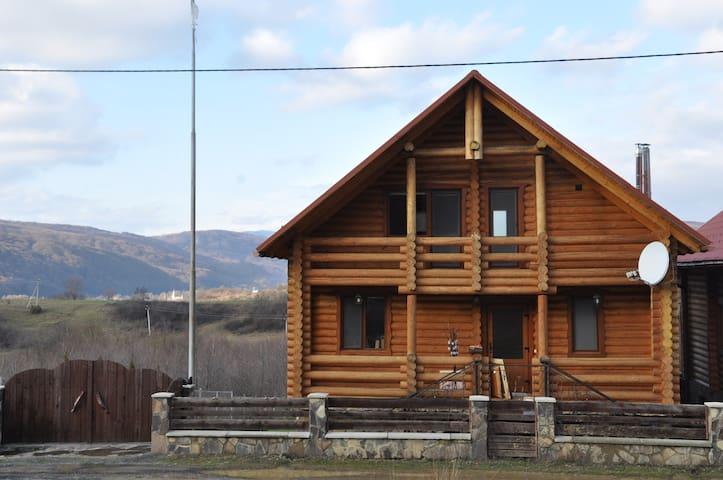 WestVillage - Zakarpats'ka oblast - Hus